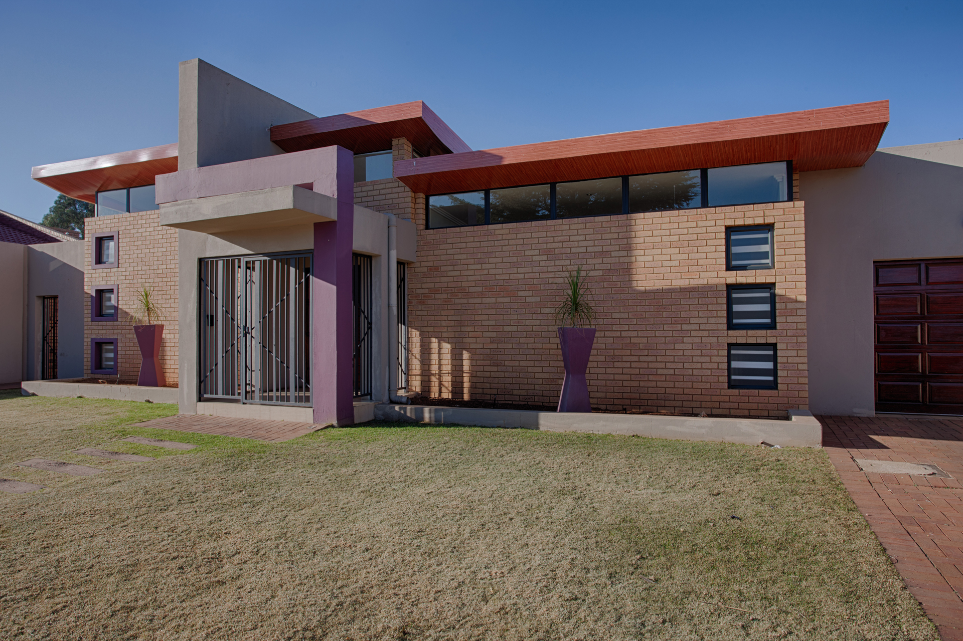 HOUSE ACTONVILLE